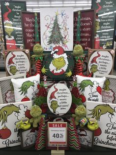 Grinch Christmas Tree, Christmas Time Is Here, Christmas Signs, Christmas Holidays, Grinch Christmas Decorations, Christmas Wreaths, Christmas Ornaments, Hobby Lobby Decor, Grinch Party