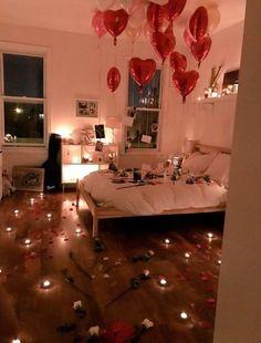 Valentine's Home Decoration, Romantic Room Decoration, Romantic Ideas For Her, Romantic Surprise, Hopeless Romantic Quotes, Elle Decor Magazine, Birthday Surprise Boyfriend, Romantic Dinners, Creative Photos