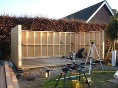 Garden room cladding Continuing day 2 - Then construction starts with the timber frame and SIP panels. Garden Office Shed, Backyard Office, Backyard Studio, Backyard Sheds, Garden Bar, Backyard Retreat, Backyard Landscaping, Garden Gym Ideas, Outdoor Office