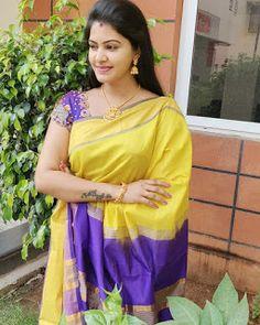 Actress Rachitha Dinesh Latest saree pics Beautiful Girl In India, Beautiful Indian Actress, Beautiful Saree, Beautiful Women, Samantha Photos, Chiffon Saree, Saree Dress, Bollywood Bikini, Latest Sarees