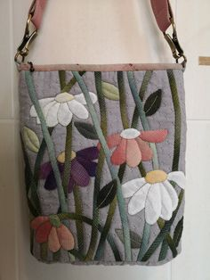 Japanese Patchwork, Japanese Bag, Patchwork Bags, Quilted Bag, Hessian Fabric, Fabric Bags, Applique Patterns, Ribbon Embroidery, Cloth Bags