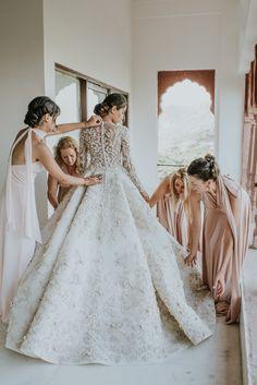 Love this Ashi Studio white wedding gown. Love this Ashi Studio white wedding gown. Indian Wedding Pictures, Indian Wedding Gowns, Muslim Wedding Dresses, White Wedding Gowns, Lace Wedding Dress, Backless Wedding, Dream Wedding Dresses, Bridal Dresses, Indian White Wedding Dress