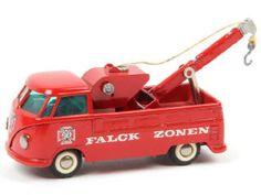 VEP 18 Février 2017  TRES RARE  TEKNO (DANEMARK) 404 VOLKSWAGEN Pick-up dépanneuse de pompiers 'FALCK ZONEN' rouge 700€