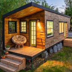 Tiny House Design Custom Design Course This course if for those looking to learn more about the tiny house movement and if it is right for you! Tiny House Swoon, Tiny House Cabin, Tiny House Living, Tiny House Plans, Tiny House On Wheels, Tiny Houses, Living Room, Modern Wooden House, Modern Tiny House