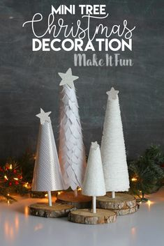 Holiday Crafts, Fun Crafts, White Christmas Trees, Tree Centerpieces, Christmas Hacks, Sewing Crafts, Christmas Decorations, Glue Gun, Diy