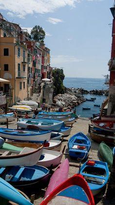 Riomaggiore, Italy (by ChuckPalmer {cepalm} on Flickr)