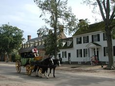Anyone who knows me knows I would love to live in Colonial Williamsburg.