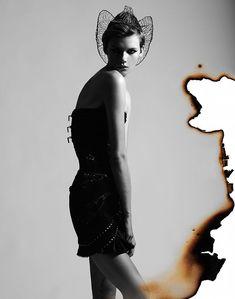 Daniela Kocianova for Flair Austria by Manolo Campion Artistic Fashion Photography, Space Photography, Fashion Photography Inspiration, Street Photography, Portrait Photography, Portrait Editorial, Editorial Fashion, Fashion Illustration Collage, Burnt Hair