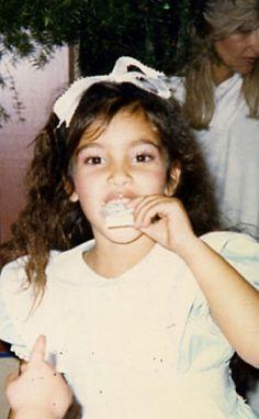 KIM KARDASHIAN  #CELEBS #CHILD #CHILDREN #NIÑOS #FAMOSOS #FAMOSAS #STARS #ESTRELLAS #CUTE #TIERNAS #FOTOS #PHOTOS