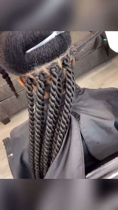 How to braid senegalese twists. Learn more about this style as well as other top braided hairstyles for black women in 2020 including cost, duration and type of hair used? Check out the link below. # twist Braids videos How to Senegalese twists Box Braids Hairstyles, Braided Hairstyles For Black Women, Protective Hairstyles, Hairstyles 2018, Marley Twist Hairstyles, Protective Braids, Ethnic Hairstyles, Girl Hairstyles, Curly Hair Tips