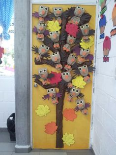 Spring door decoration in the language classroom for Decoration porte classe etoile