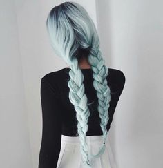 Shared by Eseღ. Find images and videos about girl, fashion and cute on We Heart It - the app to get lost in what you love.
