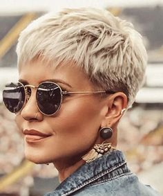 Short Pixie Haircuts, Short Hairstyles For Women, Blonde Pixie Hairstyles, Blonde Pixie Haircut, Undercut Short Hair, Short Hair Cuts For Women Pixie, Cool Haircuts For Women, Messy Pixie Haircut, Pixie Haircut Styles