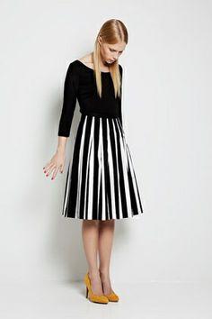 Tipo skirt Dresses and Skirts Marimekko Fashion Mode, Fashion Beauty, Womens Fashion, Dress Fashion, Marimekko Dress, Marimekko Fabric, Dress Skirt, Dress Up, Pleated Skirt