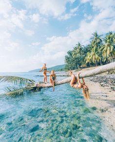 Summer Vibes :: Beach :: Friends :: Adventure :: Sun :: Salty Fun :: Blue Water :: Paradise :: Bikinis :: Boho Style :: Fashion + Outfits :: Free your Wild + Summertime Inspiration