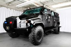 Zombie Recon vehicle: Ford F-750, Zug  Armour SWAT Truck -
