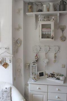 binnenkijken bij petra interior white brocante petra beschilderde meubels shabby chic