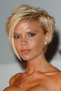 Victoria Beckham hair history: Sexy tresses through time Cute Bob Haircuts, Stacked Bob Hairstyles, Trendy Hairstyles, Victoria Beckham Short Hair, Victoria Beckham Hairstyles, Hair Type, Hair Trends, Her Hair, Hair Inspiration