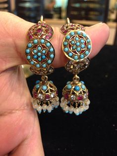 Antique earings India Jewelry, Ethnic Jewelry, Gold Jewelry, Fine Jewelry, Fashion Jewelry, Women Jewelry, Jewelery, Jewellry Box, Indian Wedding Jewelry