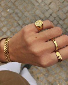 Camille Brinch Jewelery - Raw and feminine jewelry by Camille Brinch - Gol. - Camille Brinch Jewelery – Raw and feminine jewelry by Camille Brinch – Gol… Camille Brinch Jewelery – Raw and feminine jewelry by Camille Brinch – Golden Look ⚡️⚡️ Diy Jewelry Rings, Diy Jewelry Unique, Diy Jewelry To Sell, Cute Jewelry, Jewelry Art, Jewelry Accessories, Fashion Accessories, Fashion Jewelry, Jewelry Holder