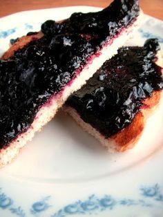 Herkkusuun lautasella-Ruokablogi: Ei aivan tavallinen mustikkahillo