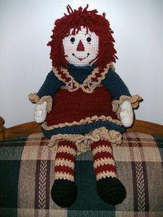 Love this! A very sweet huggeble raggedy Ann crochet doll
