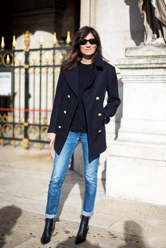 Vogue Paris' Editor-in-Chief Emmanuelle Alt cuffed her jeans and wore a chic peacoat with gold buttons to pull together her look. // #Denim