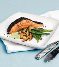 Resepti: Seesamilohi ja wasabikastike sekä paistetut pavut ja siitakesienet