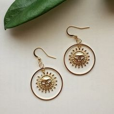 Sun Earrings - Sun Earrings The Effective Pictures We Offer You About jewelry earrings A quality picture can tell - Ear Jewelry, Cute Jewelry, Gemstone Jewelry, Jewelry Box, Jewelry Accessories, Fashion Accessories, Women Jewelry, Jewelry Making, Hippie Jewelry