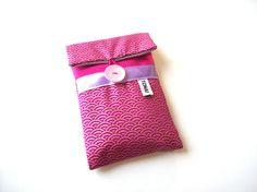 etui telephone housse iphone fuchsia tissu japonais pochette rembourrée pour portable : Etuis portables par tchai-walla
