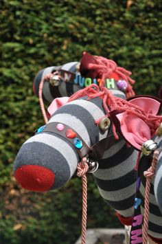 DIY STICK HORSES for farm or wild west party