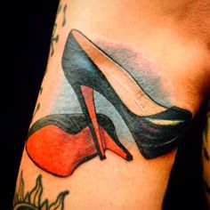 Those are some damn sexy pumps tattooed by Lawrence Hocking. #InkedMagazine #tattoo #tattoos #inked #art #redbottom #shoes