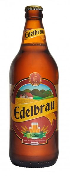 Cerveja Edelbrau Pilsen, estilo German Pilsner, produzida por Cervejaria Edelbrau, Brasil. 4.5% ABV de álcool.