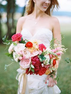 Statement bouquets: http://www.stylemepretty.com/2015/01/01/top-wedding-trends-of-2014/