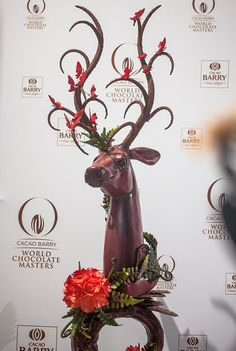Who will become the best chocolate chef in the world? Who will become the next world champion in chocolate skills and creativity? Chocolate Work, Chocolate Heaven, Chocolate Factory, Chocolate Gifts, Christmas Chocolate, Chocolate Centerpieces, Chocolate Decorations, Chocolate Showpiece, Chocolate Garnishes