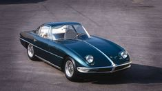 1963年、フェルッチョ・ランボルギーニが初めて造ったスポーツカーが、この「350GTVプロトタイプ」。