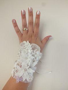 Wedding lace cuff antique lace bracelet bohemian by WEDDINGGloves Lace Bracelet, Wedding Bracelet, Wedding Jewelry, Fall Wedding Shoes, Wedding Gloves, Gypsy Wedding, Wedding Lace, Lace Cuffs, Lace Jewelry