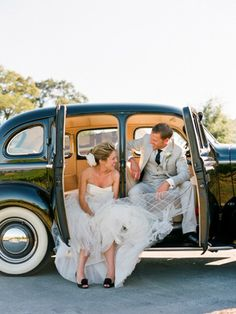 Vintage Wedding Car please Wedding Car, Wedding Pictures, Dream Wedding, Bridal Car, Wedding Bride, Gangster Wedding, Gangster Style, Groom Wear, Bride Groom