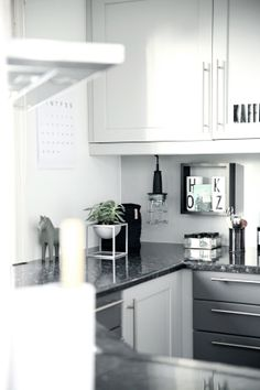 kitchen home // la lampe!