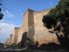 156-SEVERAN DYNASTY-(193AD TO 476AD)-FALL: A section of Aurelian wall between the Porta Ardeatina and Porta San Sebastiano, Rome, 270-274 AD. The walls were almost 19 km in length, 6m high by 3.5m thick in brick.