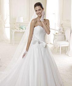 In Atelier (Abiti sposa Carlo Pignatelli, sposa Nicole) www.tosettisposa.it #abitidasposa2015 #wedding #weddingdress #tosetti #abitidasposo #abitidacerimonia #abiti #tosettisposa #nozze #bride #modasottolestelle #agenzia1870 #alessandrotosetti #domoadami #nicole #pronovias #alessandrarinaudo# realtime #l'abitodeisogni #simonemarulli #aireinbarcellona #rosaclara'#airebarcellona # زواج #брак #فساتين زفاف #Свадебное платье #حفل زفاف في إيطاليا #Свадьба в Италии