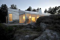 cabaña-aluminio-Noruega-exterior-atardeciendo