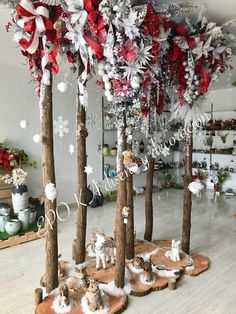 Church Christmas Decorations, Christmas Ideas, Holiday Time, Tablescapes, Ladder Decor, Floral Arrangements, Centerpieces, Household, God