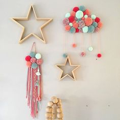 Trendy wall art for kids cribs Ideas Pom Pom Crafts, Yarn Crafts, Sewing Crafts, Diy Home Crafts, Diy Arts And Crafts, Diy For Kids, Crafts For Kids, Diy Crib, Diy Room Decor