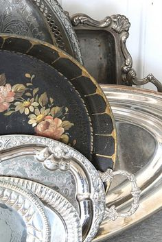 silver trays & toleware too Beautiful Platters Look Vintage, Vintage Silver, Vintage Decor, Antique Silver, Vintage Antiques, Tarnished Silver, Vintage Display, Antique Decor, Shabby Vintage