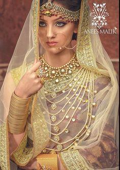 Pinterest: @pawank90 Indian Wedding Jewelry, Indian Bridal, Bridal Jewelry, Indian Jewelry, Pakistani Wedding Outfits, Indian Outfits, Bridal Hijab, Bridal Dresses, Indian Wedding Couple Photography
