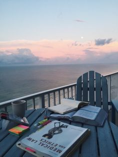 studying with ocean views. good vibes.
