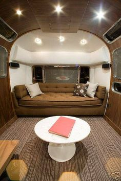1978 Sovereign 31' - Vintage Airstream