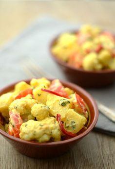 Indischer Kartoffelsalat mit Blumenkohl, gewürzt mit Minze, Koriander und indischen Gewürzen. Weiterlesen →