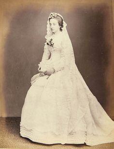 Marie Isabelle d'Orléans (1848-1919) jour de son mariage avec Philippe d'Orléans, comte de Paris le 30 mai 1864